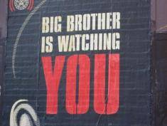 Big Brother powraca w mailach i SMS-ach