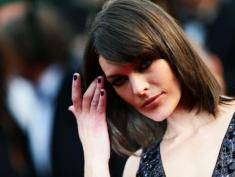 Performans Milli Jovovich