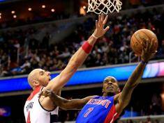 WASHINGTON, DC - DECEMBER 28: Chauncey Billups #1 of the Detroit Pistons puts up a shot in front of Marcin Gortat #4 of the Washington Wizards during the first half at Verizon Center on December 28, 2013 in Washington, DC. NOTE TO USER: User expressly acknowledges and agrees that, by downloading and or using this photograph, User is consenting to the terms and conditions of the Getty Images License Agreement.  (Photo by Rob Carr/Getty Images)