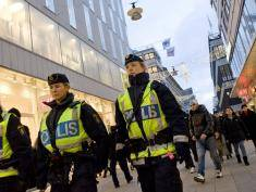 Swedish police officers patrol Drottninggatan street in central Stockholm on December 14, 2010. The far-right Sweden Democrats on Tuesday demanded a debate in parliament on Islamic extremism following the weekend's twin blasts in Stockholm that probably aimed to wreak carnage among Christmas shoppers.  AFP PHOTO/JONATHAN NACKSTRAND (Photo credit should read JONATHAN NACKSTRAND/AFP/Getty Images)