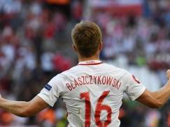 Poland's midfielder Jakub Blaszczykowski celebrates after scoring during the Euro 2016 group C football match between Ukraine and Poland at the Velodrome stadium in Marseille on June 21, 2016. / AFP / ANNE-CHRISTINE POUJOULAT        (Photo credit should read ANNE-CHRISTINE POUJOULAT/AFP/Getty Images)