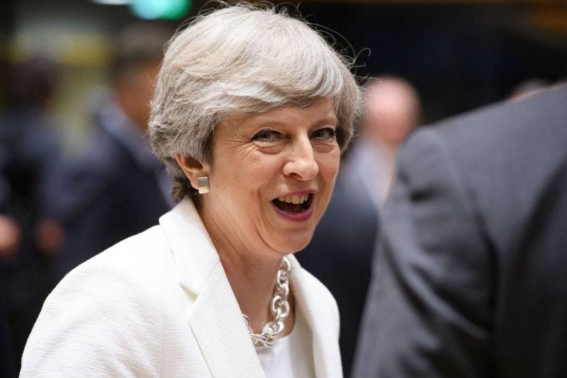 Oto, co Theresa May zaoferuje dzisiaj imigrantom z UE!